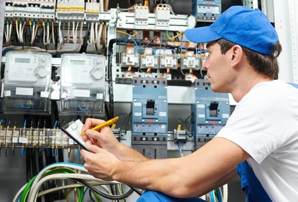 مطلوب هندسة الكهرباء