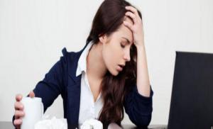 دراسة علمية .. علامات تدل أن زميلك في العمل ينوي لك الشرّ!