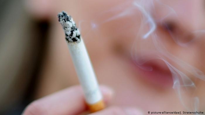 10 آلاف دينار لترخيص خط إنتاج الدخان - وثيقة