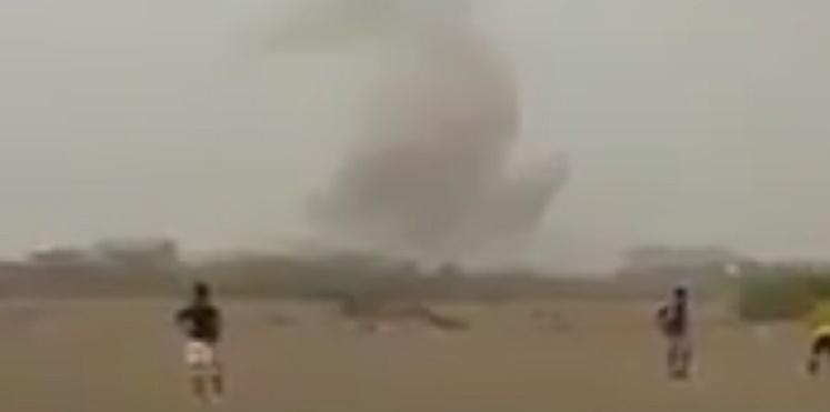 بالفيديو..اطفال يلعبون كرة القدم تحت نيران الصواريخ في اليمن
