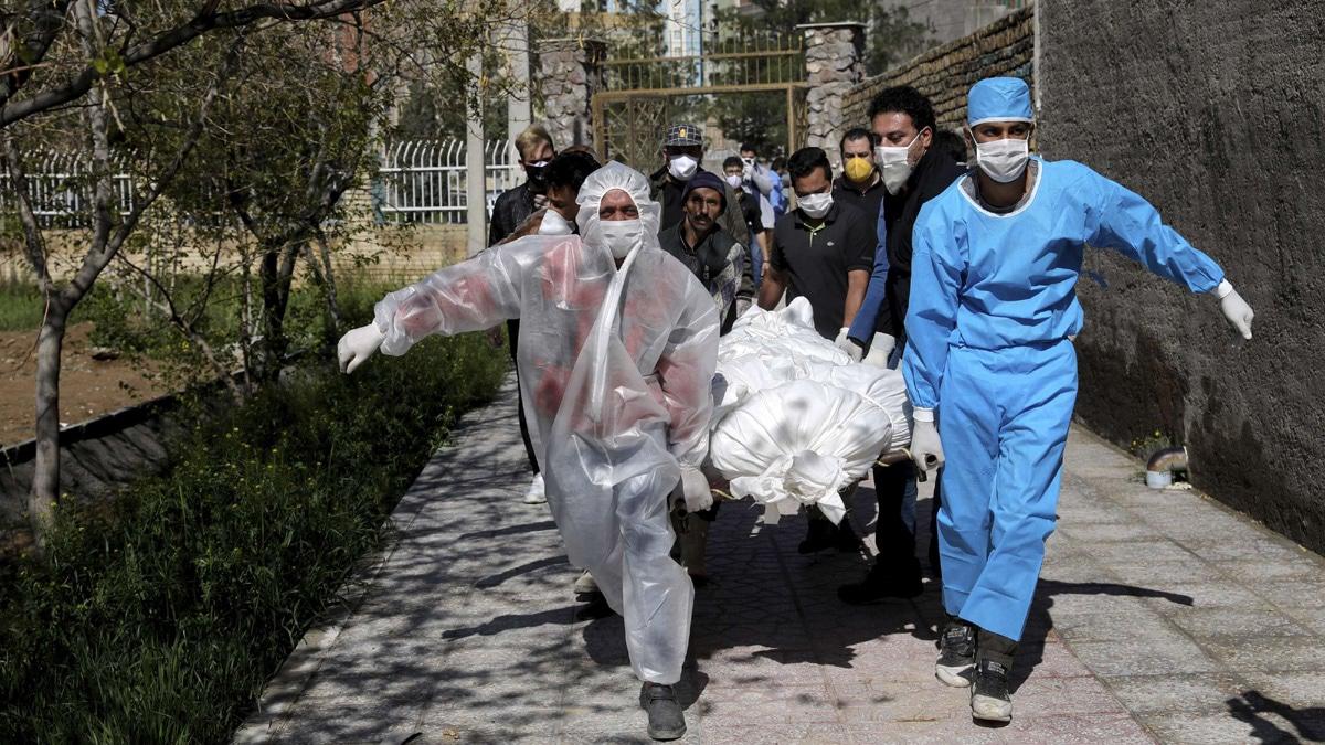 ثلاجات الموتى المكتظة تدفع طهران لتأخير دفن ضحايا كورونا