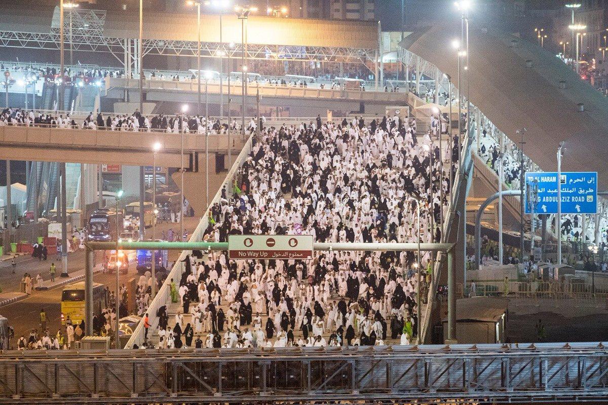 بالصور : حجاج بيت الله ..  يتوجهون من جمرة العقبة إلى طواف الإفاضة