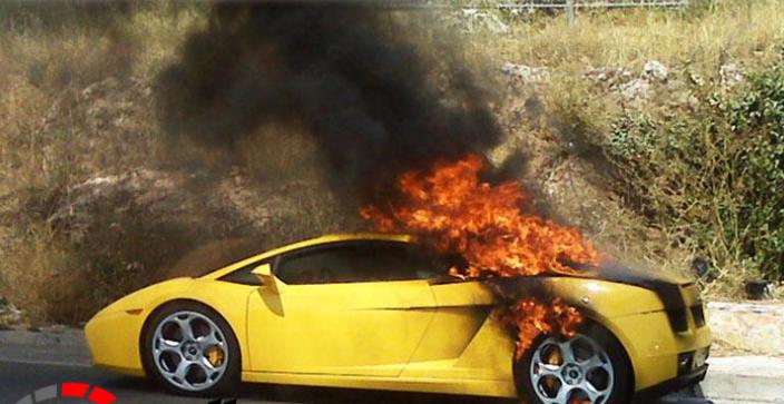 """استدعاء العشرات من سيارات لامبورجيني لمخاطر """"خزان الوقود"""""""