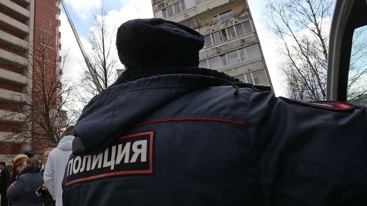 مسلح يحتجز أطفاله الستة كرهائن في سان بطرسبورغ