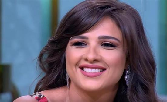 ما هي حقيقة خضوع ياسمين عبدالعزيز لجراحة جديدة؟