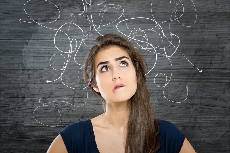عمري 20 سنة وأخاف أن أعتبر «عانس» ..  ما الحل؟