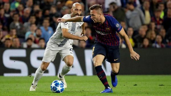 برشلونة يرفض حل مشكلة آرثر ميلو دون عقاب