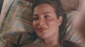 شاهدوا  ..  هكذا وصلت نادين نسيب نجيم إلى المستشفى و الدم يغطي وجهها