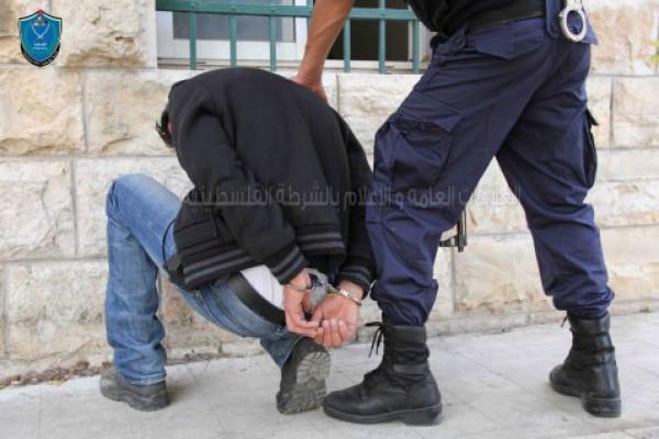 القبض على شخص بتهمة سرقة نخيل في قلقيليه .. صورة
