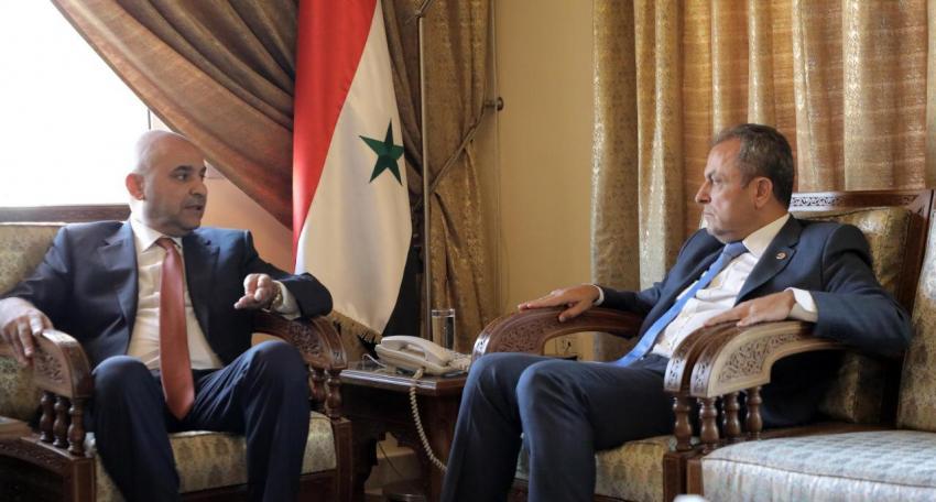 النائب خوري يسلم علوش مذكرة باسماء الاردنيين المعتقلين في سوريا