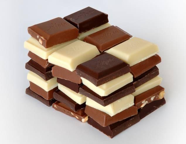 سبب ظهور رغبة قوية في تناول الشوكولاتة