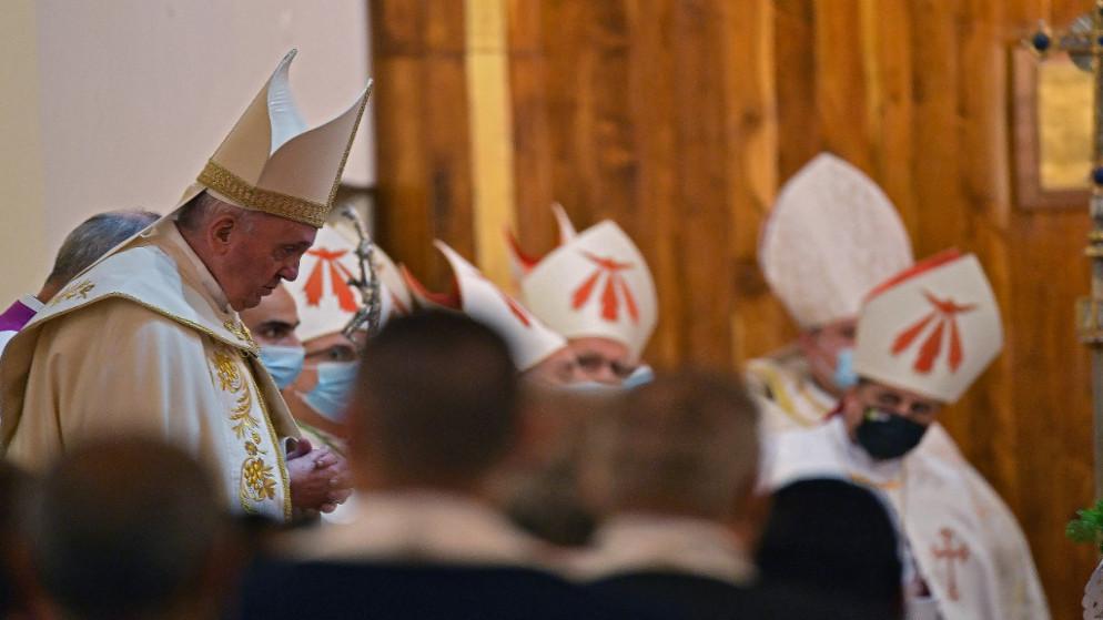 البابا فرنسيس يحيي أوّل قدّاس له في العراق في كنيسة في بغداد