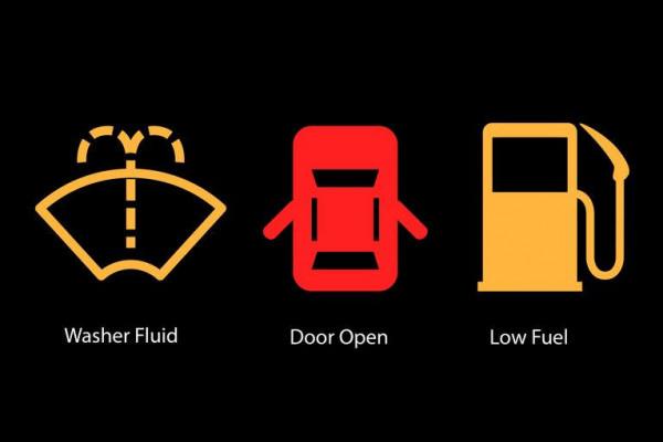 بالصور  ..  8 شفرات هامة ..  ما معنى الرموز المضيئة بلوحة عدادات السيارة ؟
