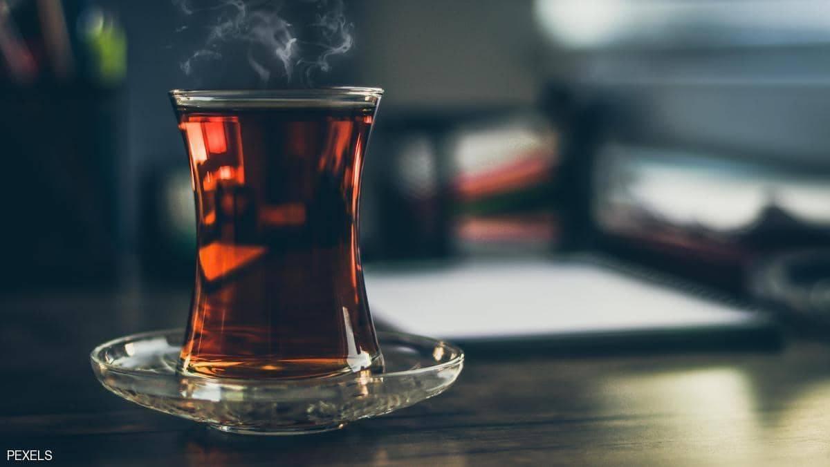 كوب الشاي ..  ماذا يفعل بدماغ الإنسان؟