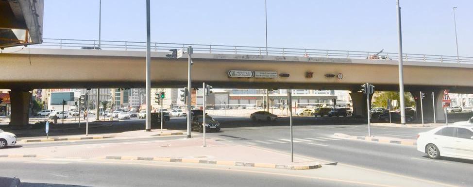 بسبب كورونا  ..  آسيوي ينتحر من أعلى جسر الروضة في عجمان