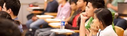 خطة حكومية لرفع أعداد الطلبة الوافدين للجامعات إلى 70 ألفا