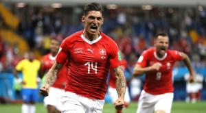 سويسرا تقترب من دور 16 بفوز قاتل على صربيا بنتيجة ( 2- 1)