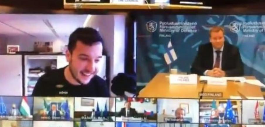 فيديو للحظة اختراق صحفي هولندي اجتماع وزراء دفاع الاتحاد الأوروبي