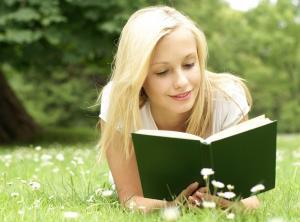 وردة مع الكتاب.. شجعت العالم على القراءة