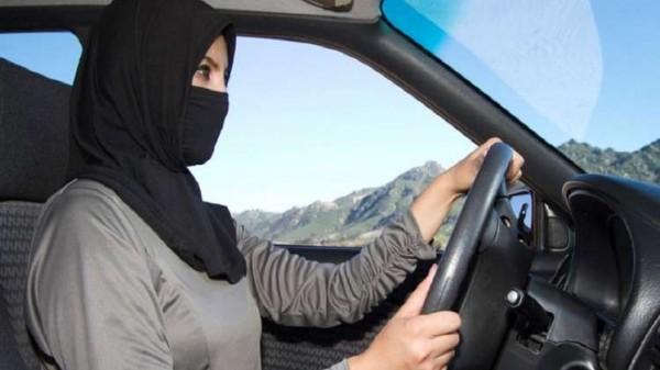 حكم الشرع بقيادة المرأة للسيارة