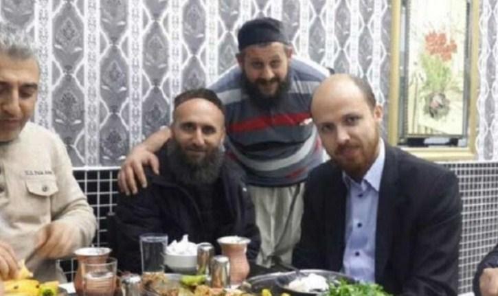 """لغز صورة ظهر فيها ابن أردوغان مع قادة يُعتقد انهم """"دواعش"""" بسوريا"""