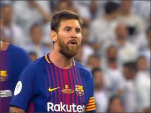 بالفيديو .. تدخلات من لاعبين ريال مدريد على ميسي