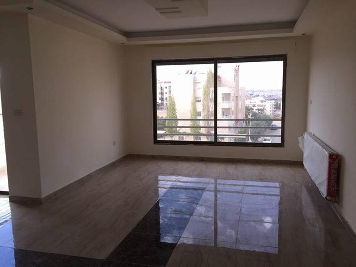 شقة مميزة للبيع في مرج الحمام طريق المطار