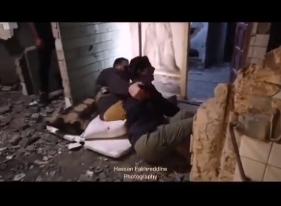 """بالفيديو ..  شاهد لحظة سقوط ندين نجيم و قصي خولي خلال تصوير """"مسلسل 2020"""""""