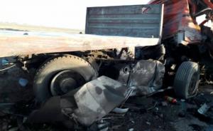 """14إصابة بحادث تصادم باص و""""قلاب"""" في اربد"""