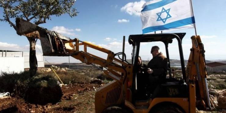 الاحتلال يستولي على جرافة شرق قلقيلية