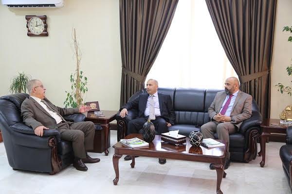 رئيس جامعة الزيتونة الأردنية يستقبل الملحق الثقافي العماني