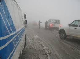 2000 مركبة عالقة في رأس النقب بسبب تراكم الثلوج