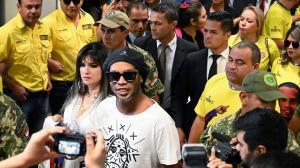 رونالدينيو يخسر أمام ثنائي متهم بالقتل والسرقة في السجن