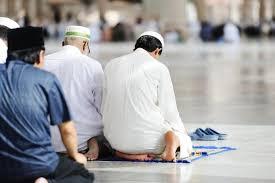 لكل من يشتكى من السرحان فى الصلاة وعدم الاحساس بحلاوتها اليك الحل