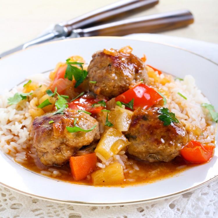 كرات اللحم بصوص الأناناس