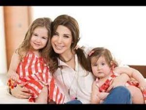 بالفيديو: شاهد أبناء وأمهات نجوم الفن العربى