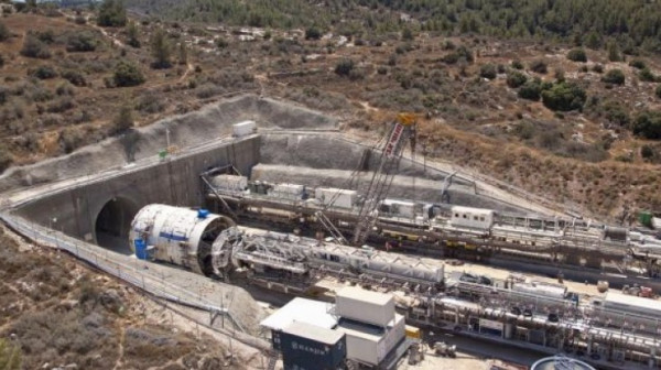 الأردن يهاجم القطار السريع الإسرائيلي
