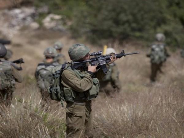 قوات الاحتلال تطلق النار تجاه فلسطينيين بزعم اقترابهم من السياج شرق غزة