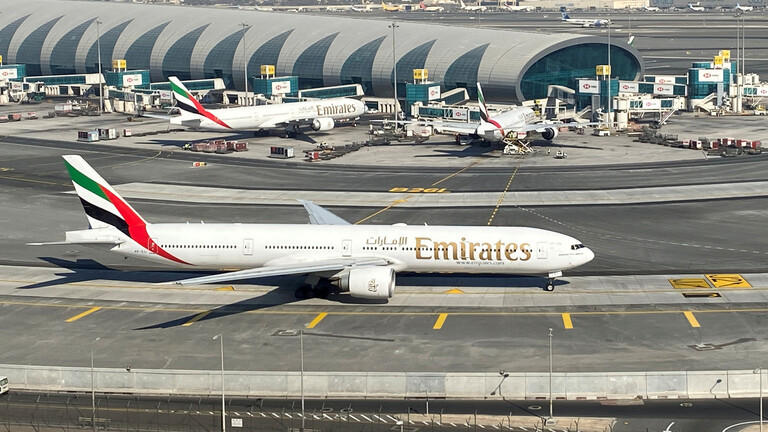 حكومة دبي تتدخل بعد تكبد طيران الإمارات خسائر بالمليارات