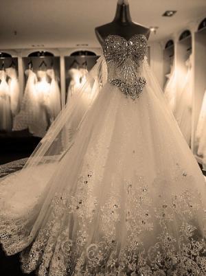 6 ملايين دولار لفستان زفاف مرصّع بالماس