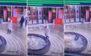 بالفيديو.. سقوط امرأة في نافورة وهي منشغلة بهاتفها