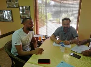 عامر شفيع يوقع عقد مع شباب الأردن