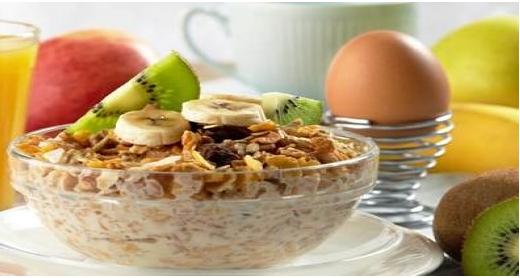 تعرف على الأطعمة التي تساعدك على الاستيقاظ صباحاً
