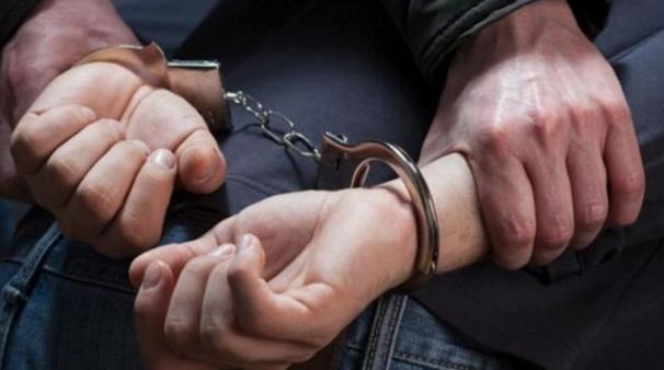 حبس شخص منع الشرطة من ضبط خطيب اقام صلاة الجمعة اثناء الحظر