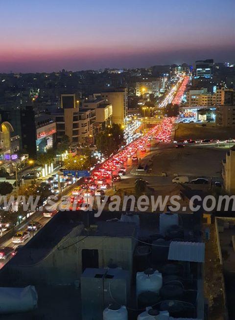 أزمات سير خانقة تغطي شوارع العاصمة عمّان  ..  صور