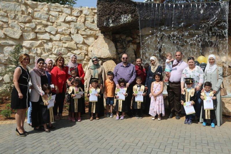حضانة جامعة البترا تنظم حفل تخريج لأطفال الأمهات العاملات ..  صور