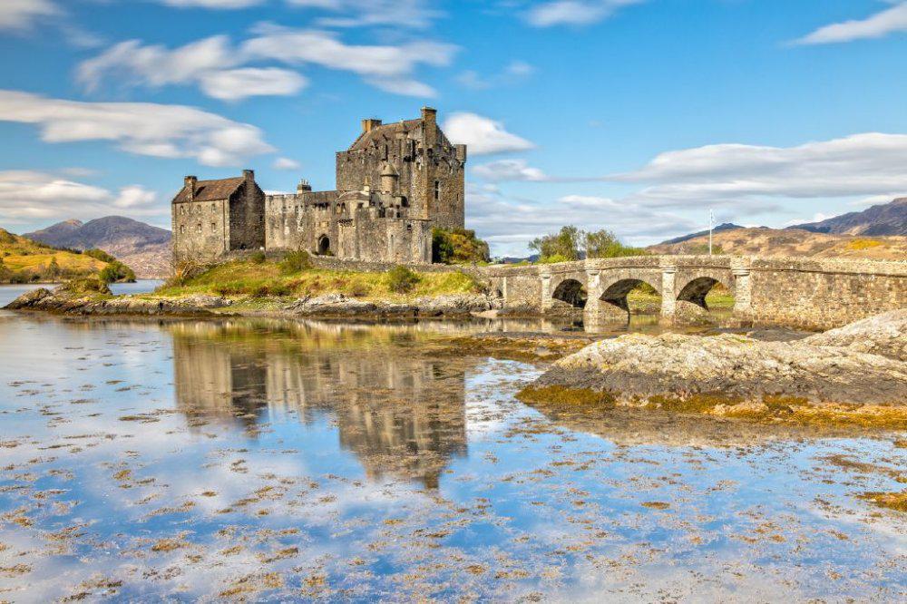 بالصور ..  شاهدوا أجمل وأشهر قلاع إسكتلندا