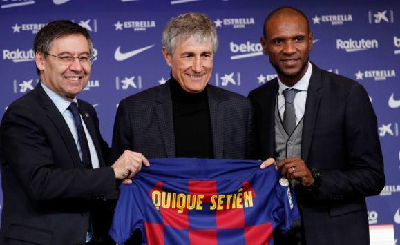 برشلونة يقدم لوسائل الإعلام مدربه الجديد