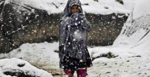"""العاصفة """"ميريام"""" في لبنان تقتل الطفلة رشا بعد غرقها في مجرى نهر  ..  """"تفاصيل"""""""