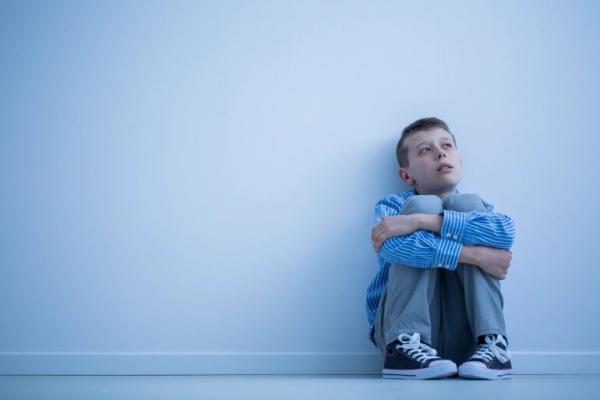 8 علامات لاكتئاب الأطفال لا يجب تجاهلها